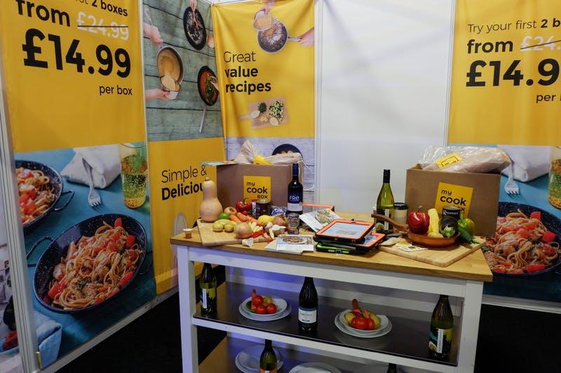 ▲ロンドンで開催「The Telegraph Ski & Snowboard Festival」:宅配食宣伝ブースの様子