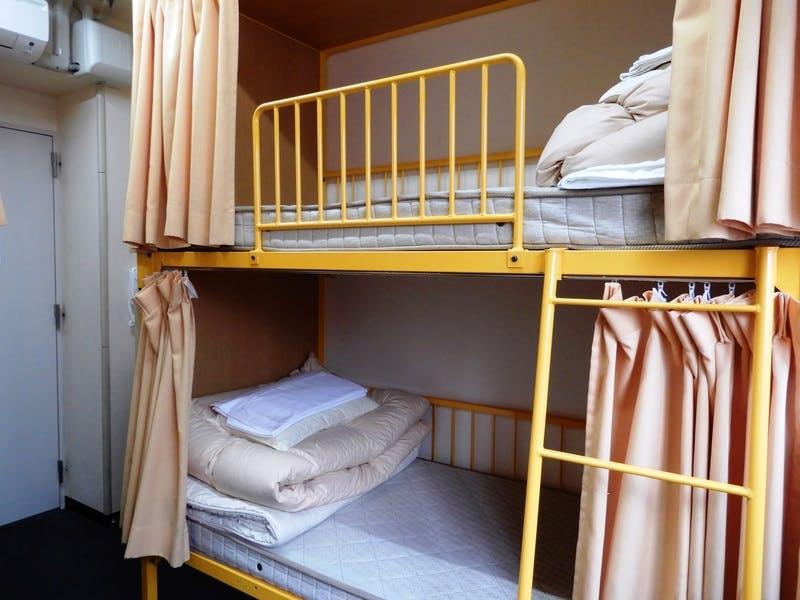▲リーズナブルに宿泊したい旅行者に人気のドミトリー。1ベットにつき1泊3,300円