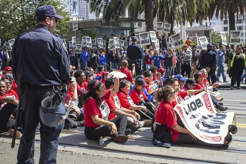 ▲[2012年8月 反日デモが勃発 ※画像はイメージです]