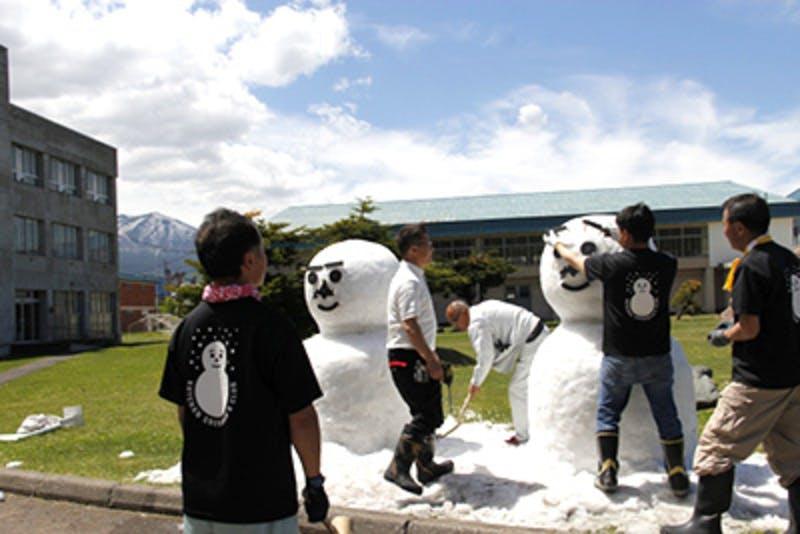 ▲歓迎雪だるま 出典:北海道公式HP