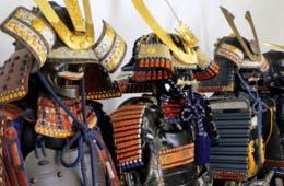 8分で甲冑着て記念撮影/外国人観光客に「日本を感じてもらう」ための施設「小寅亭」がオープン