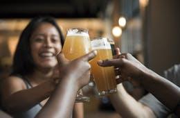 なぜ日本の「居酒屋」が訪日外国人に人気なのか?「飲みながら食事」はめずらしかった!?