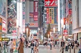 外国人に人気 秋葉原の観光スポット&店 | インバウンド盛り上がる理由・インバウンド対策事例は?