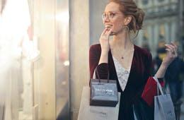 【外国人を集客したい!】インバウンドに効果的な宣伝手法4つ | 情報源は親族、知人、インターネットの口コミ・旅マエ期間が重要・事例3選を紹介